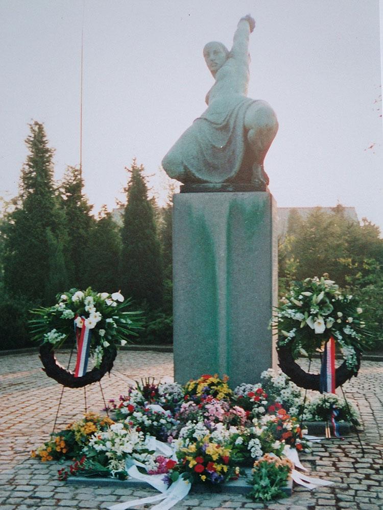 Jan de Rooij Monument na Dodenherdenking